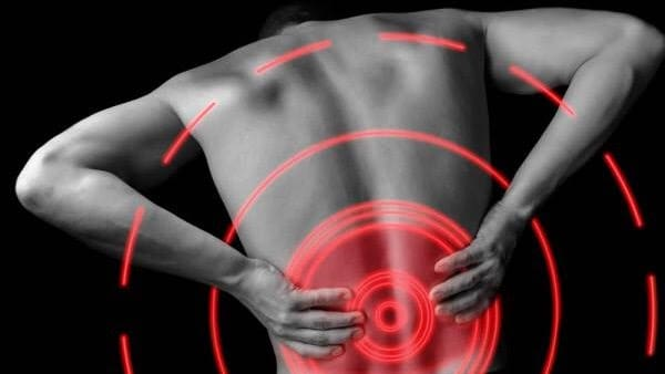 featured image for low back pain in lifter